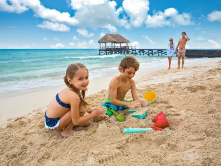 Tobogány, detský bazén, pri pláži